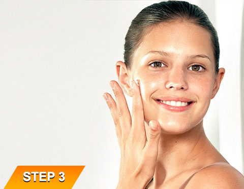 Vitamin-C-Serum-Step-3