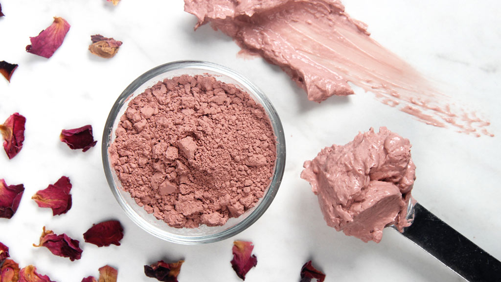 Kaolin-clay-and-rosewater